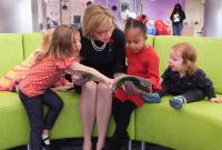 Fran DeWine Reading to children